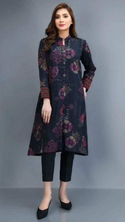 Limelight P4165SU Black Embroidered Slub Khaddar Long Shirt and Trousers Winter 2020 - chambeili.com